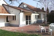 Family house 6 km from the Lake Balaton, near to Siofok, with a large plot, in good condition for sale